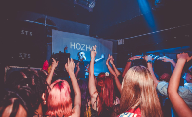 Hozho rocking the dancefloor